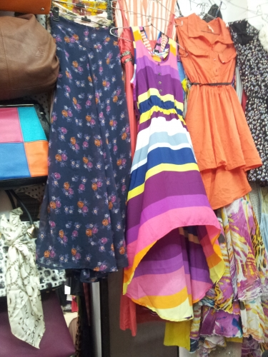Fashion Hoppers! Be Trendy at Low Cost in Sarojini Nagar