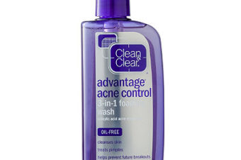 Clean & Clear Acne Control 3-in-1 Foaming Face Wash Review